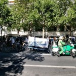 Proteste vor einer Filiale des ESCADA-Konzerns in der City West